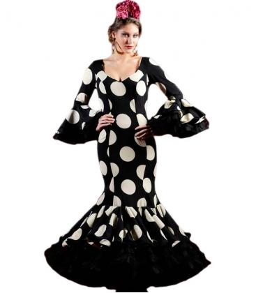 Traje de flamenca negro con lunares blancos