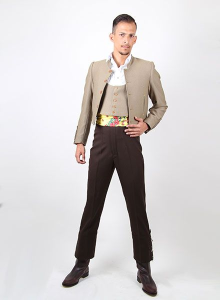 ... Trajes de campero para Caballero o Señora de diferentes colores  combinables con fajín y tirantes 3f4913384da