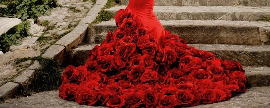 9cd9ae163 Faldas y batas de cola - Blog El Rocio trajes de flamenco - Blog de ...